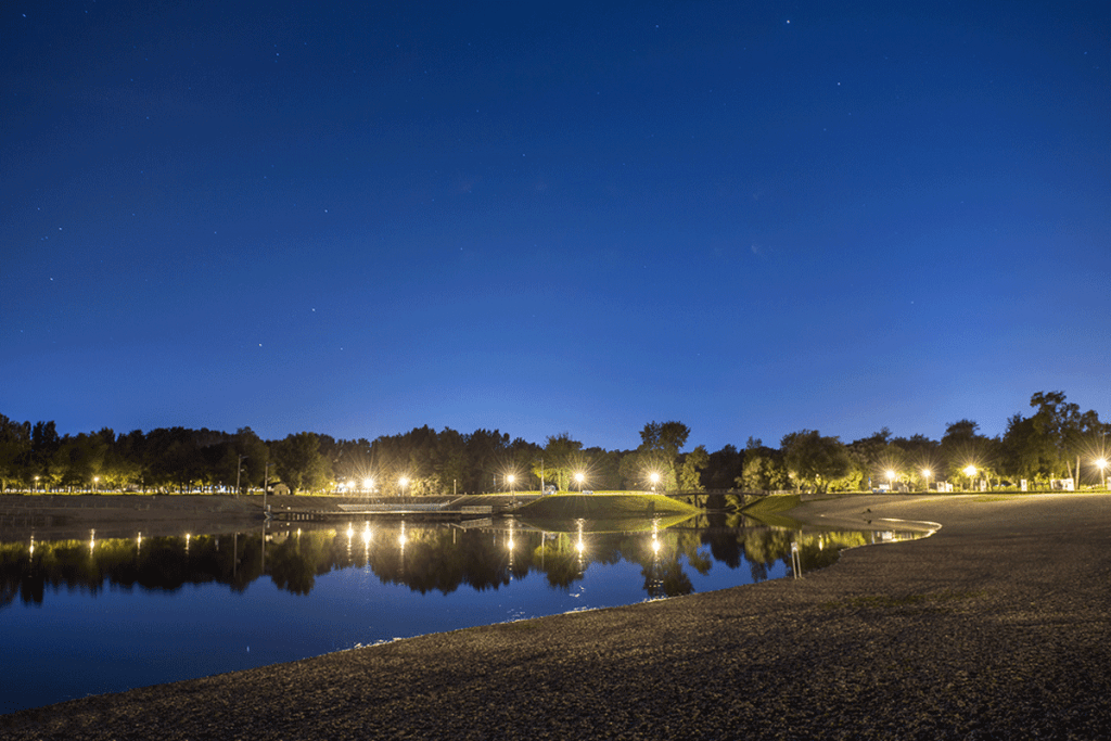 Bundek Lake at night